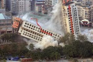 Building Falling - Factor of Safety in Building Construction